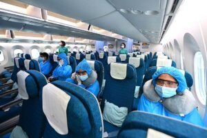 Passengers wore Sun May SM-011A during Hanoi-Tokyo flight ensure epidemic prevention Src-FPT Corporation Sep.19